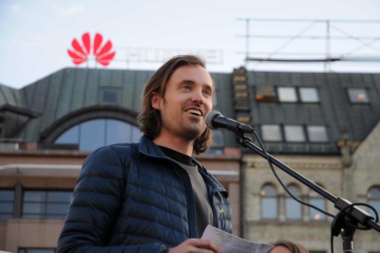 (Foto: Idun Moe Hammersmark) Petter Slaatrem Titland på Eidsvolls plass.