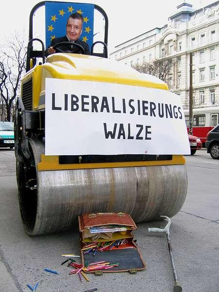 """Veivalse med teksten: """"Liberalisierungswalze"""""""